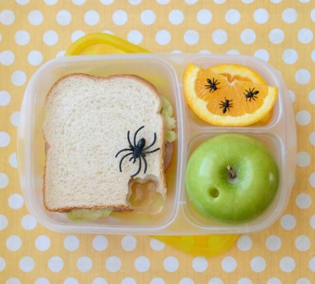 Прикольная картинка Паук на еде